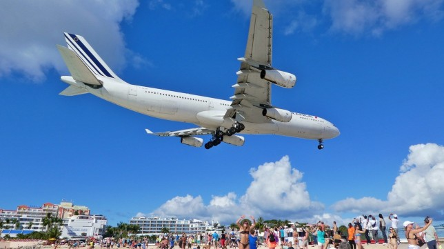 Air France Flight Arriving into Princess Juliana Int'l Airport