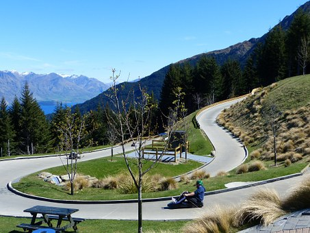 Queenstown skyline-luge-163934__340